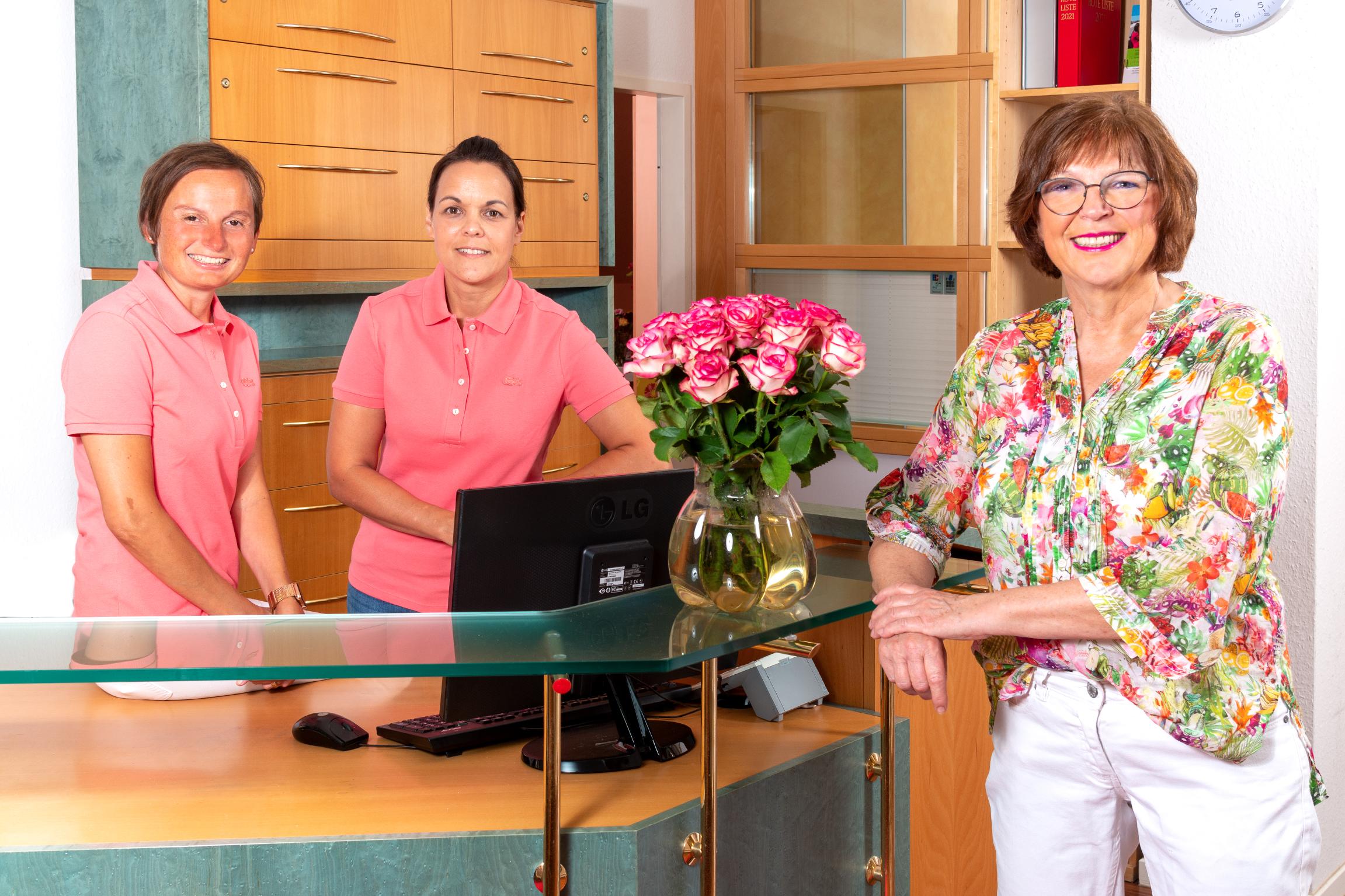 Team der Praxis Dr. Eva-Maria Schindler in Essen-Kettwig